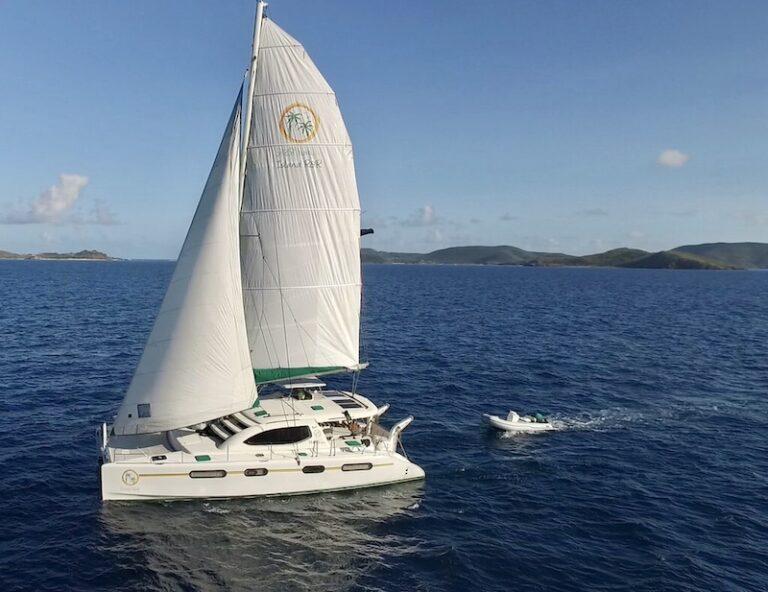 Island R&R yacht sailing in the US Virgin Islands